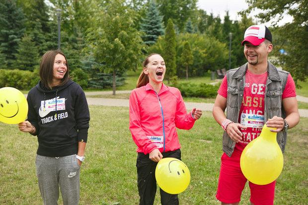 В начале августа команда проводила легкоатлетку Алину Талай на чемпионат мира в Пекин. На днях Алина привезет из Китая «бронзу». Еще одним гостем тренировки стал Тео, представлявший Беларусь на Евровидении в 2014 году.