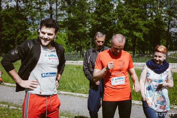 Одним из звездных гостей тренировок был представитель Беларуси на Евровидении Uzari.