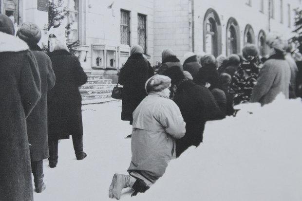 Ежедневные молитвы верующих в начале 1990-х. Источник: In Nomine Domini, Минск, 2010.